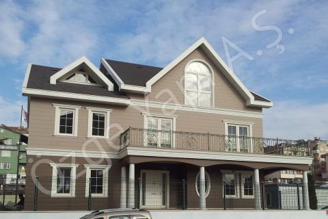 Villa avec architecture à l'américaine